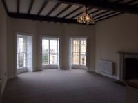 luxury 2 bed apt set in castle conversion in North Wales - many nice features viewing highly recomm