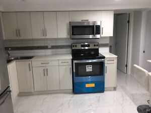 Furnished bright & spacious unit in North Burnaby - 3 bed/2bath