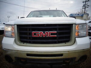 2009 GMC SIERRA 2500HD-6.0L V8-4X4-CLEAN CARPROOF-8' -LONG BOX