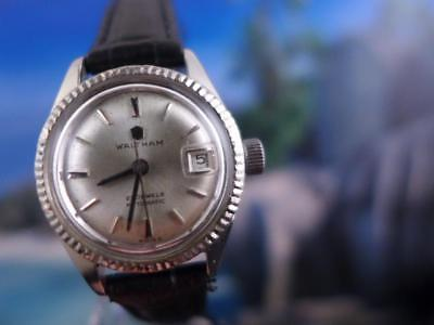 Beautiful, Waltham, Elegant silver dial with date 26mm Automatic