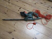Black and Decker GT251 41cm hedge trimmer