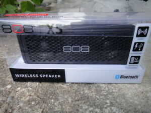 808 XS SP260BK Portable Bluetooth Speaker - Blacktout neuf -----