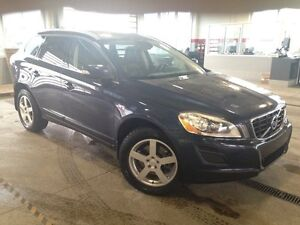 2013 Volvo XC60 T6 AWD, Leather Heated Seats, Pano Roof