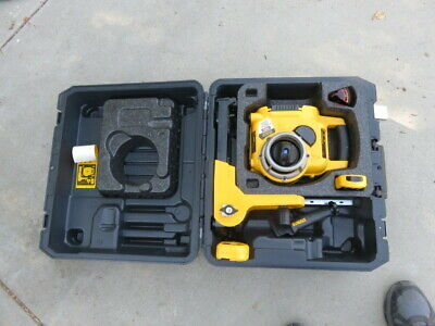 Dewalt Dw077 18 Volt Self Leveling Rotary Laser Level Kit W Receivers Acc.