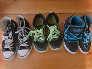 3 pairs of children's sneakers