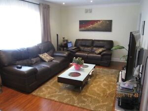 3B/1B BUNGALOW FOR RENT AT YONGE/STEELES AVAIL MAY 1/JUNE1