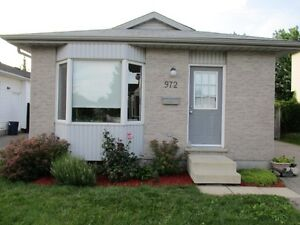 Fanshawe Students! The Best Choice In House Rentals! London Ontario image 8