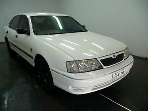 2000 Toyota Avalon MCX10R Conquest White 4 Speed Automatic Sedan Cabramatta Fairfield Area Preview