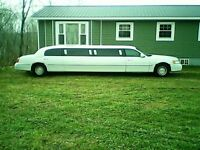 1999 Lincoln stretched limo