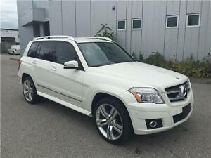 2010 MERCEDES GLK350 4MATIC. LOW KM.