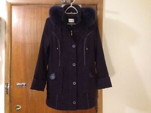 women's Tradition winter coat with real fox fur-sz M