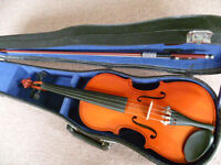 1/2 size violin with bow and case - excellent condition, great starter instrument