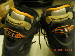 Like new Size 10 Roller  Blades and Safety Pades