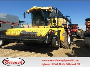 2011 New Holland Combine CR9090