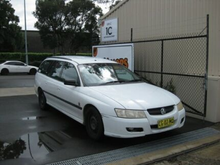 Holden VZ Commodore Wagon - Perfect for backpackers, Ex-Rental