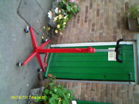 hydaulic transmission jack.very good condition.cost £165 new.my price £80.