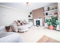 2 bedroom flat in Charters Close, Norwood, London, SE19