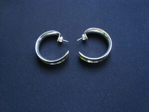 WOMANS STERLING SILVER EARRINGS .925 West Island Greater Montréal image 4