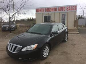 2013 CHRYSLER 200 TOURING - SUNROOF - HEATED SEATS - 4CYL - AUTO