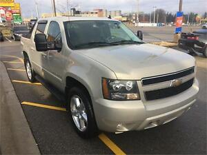 LOW KMS!|4X4|V8|BOSE|SUNROOF|HEATED LEATHER|REMOTE START