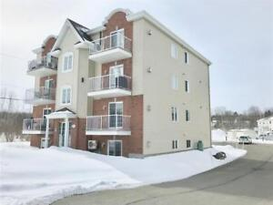 Vaudreuil Dorion Lovely Condo for Rent (2 parking spaces)