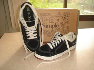 """BRAND NEW """" SIMPLE """" MEN'S RUNNING SHOES  SIZE 9.5  -  $69.99"""