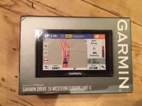 GARMIN DRIVE 51 WESTERN EUROPE LMT-S SATNAV - 2 MONTHS OLD AS NEW
