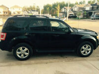 2012 Ford Escape XLT SUV**56900KMs ONLY***