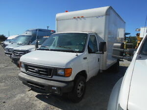 2004 FORD E450 SUPER DUTY DIESEL TRUCK