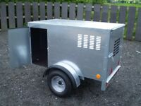 **WANTED BRONISS BOX/DOG TRAILER**