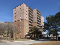 Renovated 2 Brm + Den Unit In Applewood, Large Balcony
