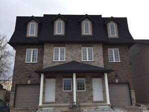 Beautiful New townhouse! 5-6 Student bedrooms!