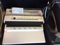RENZ wire binding machine -fully functioning and in good condition.