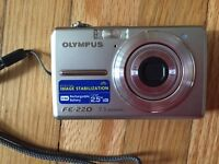 Olympus Digital Compact Camera FE-220/X-785 For Sale!