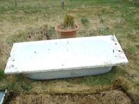 METAL BATHS FOR RAISED PLANTERS