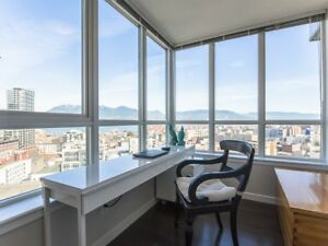 Tinseltown highrise 2BR 2BA 1Den mountain and harbour view
