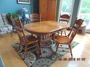 OAK TABLE & CHAIRS FOR SALE