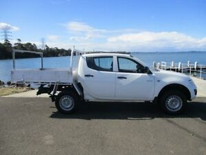 2011 Mitsubishi Triton MN MY11 GLX White 5 Speed Manual Dual Cab Utility Horsley Wollongong Area Preview