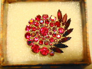 BEAUTIFUL VINTAGE RUBY RED AND PINK BROOCH