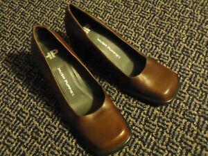 Ladies Size 8 ****Hush Puppies**** Dark Burgundy Dress Shoes