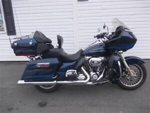2013 Harley-Davidson Road Glide Ultra Totally MINT Extras too!!!