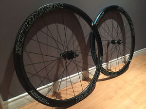 Reynolds Assault SLG disc Carbon Wheelset