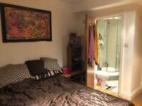 Super spasious 2 bedroom flat in Acton 1700£ pm