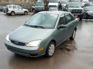 2005 FORD FOCUS ZX4 SE, GREAT CONDITION, RUNS & DRIVES EXCELLENT