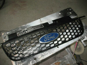 FORD ESCAPE GRILLE CALANDRE