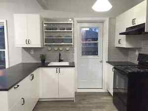 Completely Renovated 2 Bedroom Apartment Close to All Amenities Peterborough Peterborough Area image 1