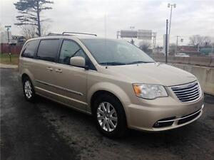 2015 Chrysler Town & Country Touring STOW'N'GO
