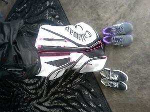 Womens golf shoes and golf bag
