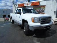 2013 GMC SIERRA 2500 HD 4X4 EXTENED WITH BACK UP CAMERA!!