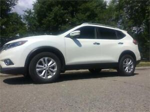 2015 Nissan Rogue SV/ ONE OWNER/WARRANTY-PANORAMIC SUNROOF